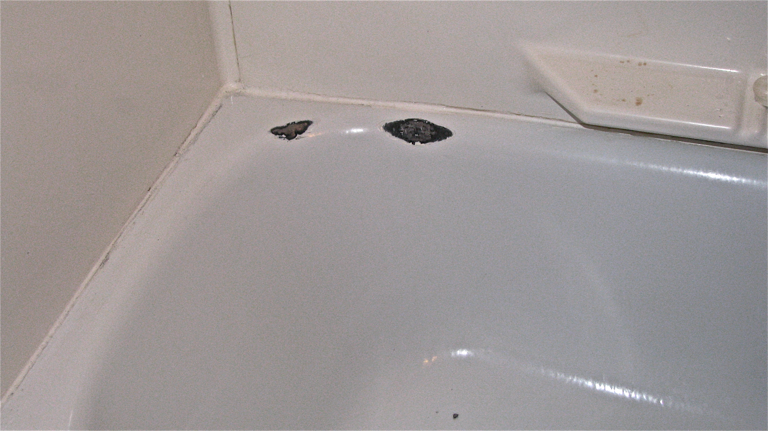 Diy tub repair vs professional denver tub and bathroom for Bathtub repair